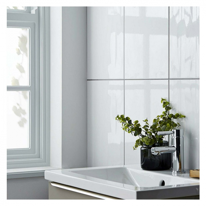 flat gloss white ceramic wall tile 300 x 600mm  selco
