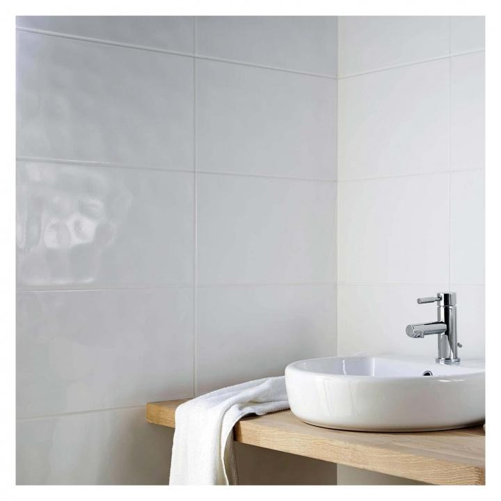 bumpy gloss white ceramic wall tile 250 x 400mm  selco